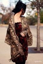brick red vintage dress - bronze Forever 21 scarf