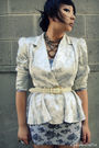 Vintage-blazer-thrifted-belt-forever-21-necklace