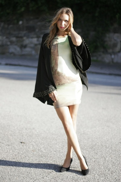 kimono Reverse top - bodycon Motel dress - suede H&M pumps