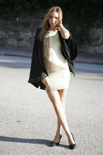 kimono Reverse top - bodycon Motel dress - suede H&M pumps