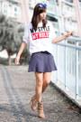 Bronze-zara-boots-white-zara-t-shirt-navy-zara-skirt