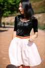 Eggshell-oroton-bag-black-monki-top-light-pink-vintage-skirt
