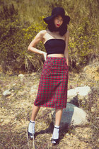 ruby red Ezzentric Topz skirt - black American Apparel top