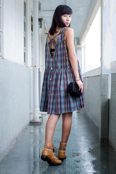 brown Ariat boots - violet Ezzentric Topz dress - black vintage bag
