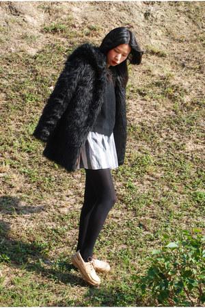 black Ezzentric Topz jacket - heather gray American Apparel skirt