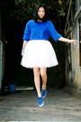Blue-vintage-jumper-blue-superga-sneakers