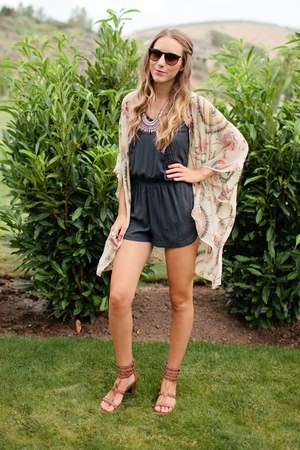Rumor Boutique cardigan - American Eagle romper