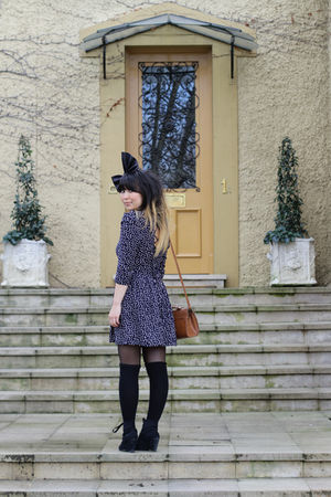 blue maxim dress - black Twin Cat Vintage accessories - black custom made boots