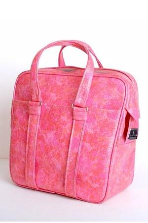bubble gum vintage samsonite bag