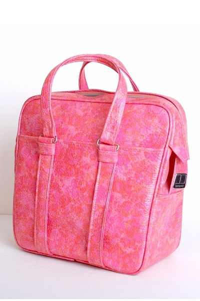 bubble gum vintage samsonite bag