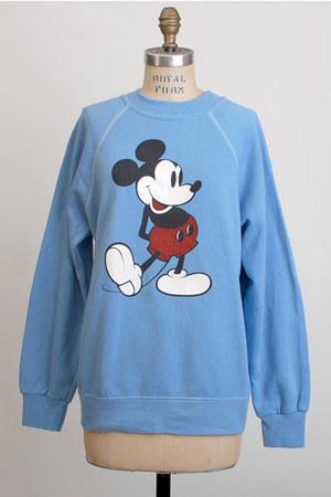 sky blue vintage sweatshirt