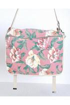 Pink-vintage-gap-bag