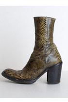 Olive-green-vintage-boots