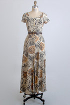 Light-brown-vintage-dress