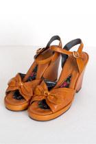 Tawny Vintage Sandals