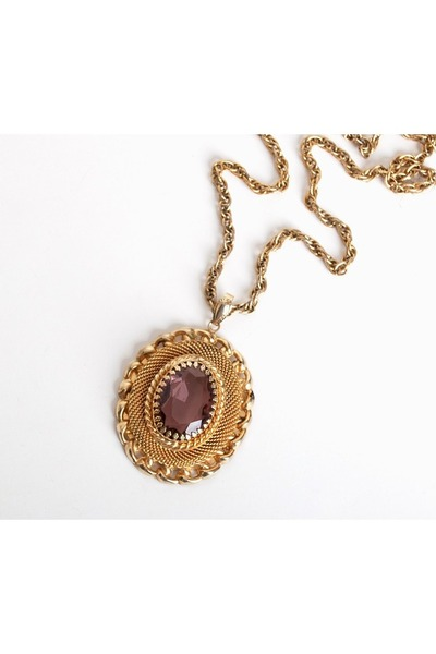 gold vintage trifari necklace