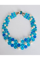 Blue-vintage-necklace