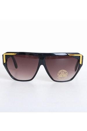 black vintage sunglasses