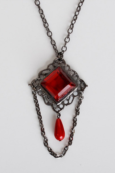 red vintage necklace
