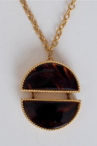gold vintage Este Lauder necklace