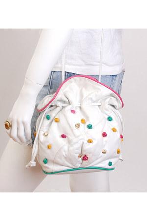 white bucket leather vintage bag