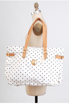 White-vintage-capezio-bag