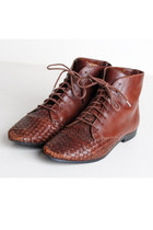 Woven Brown Lace Up Granny Boots / brown pointed toe booties / 7 37