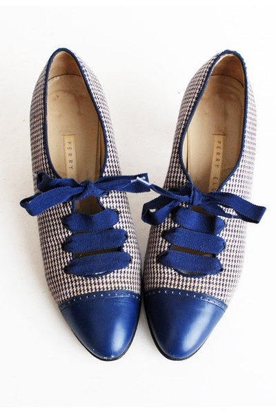 Perry Ellis shoes