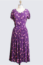 Vintage 40s Grape Purple Day Dress Berry Print Rayon w/ Shirred Shoulders