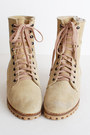 Lace-up-suede-vintage-boots
