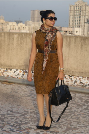 tan brown dress - printed scarf