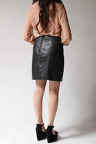 Black Byrnes And Baker Skirts