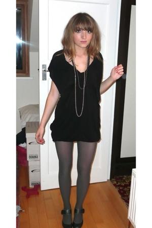 """""""une petite robe noire"""""""