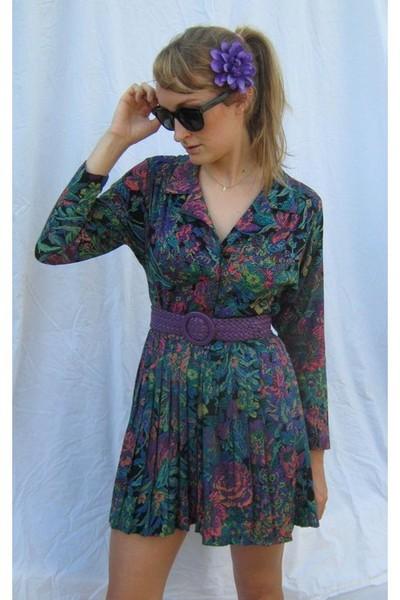 purple bloomers accessories - purple vintage belt - VV LUTZ dress - gold dogeare