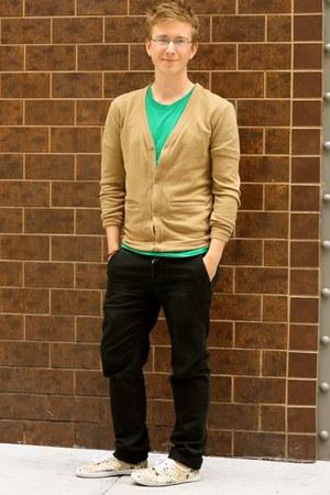 light pink Urban Outfitters shoes - green tee-shirt American Apparel shirt