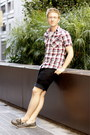 Charcoal-gray-boat-sperrys-shoes-brick-red-ben-sherman-shirt