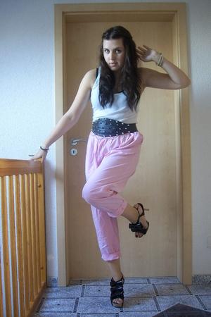 H&M shirt - selfmade belt - mothers pants