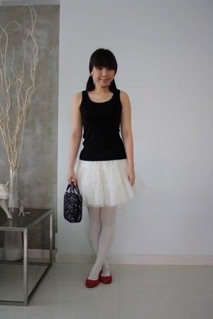Uniqlo top - H&amp;M Young skirt - River Island stockings - Zara shoes - Anna Sui ac