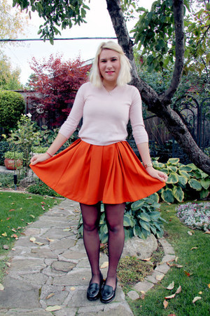carrot orange H&M skirt - light pink cashmere unknown sweater