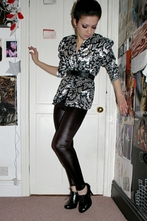 vintage from Ebay blouse - MIC leggings - Primark shoes