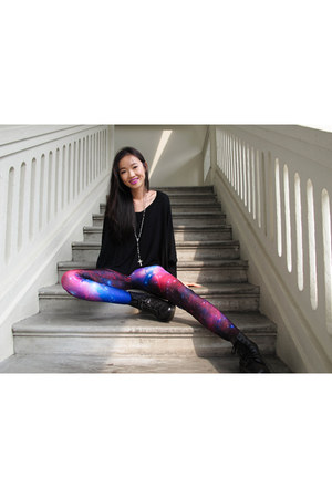 purple galaxy leggings Black Milk leggings - black pascal Dr Martens boots