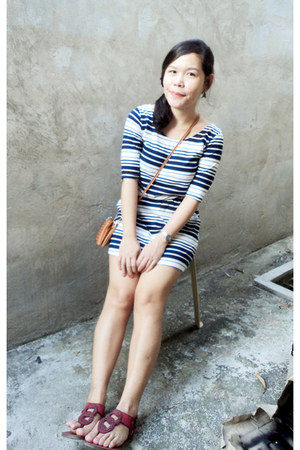 navy stripes dress - red Grendha sandals