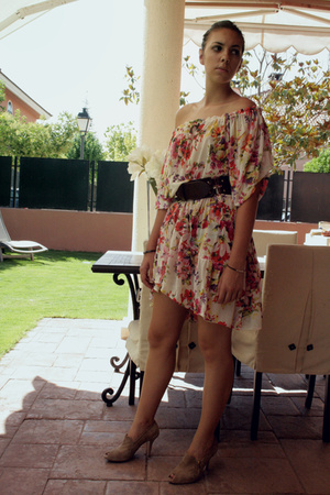 Mango dress - Massimo Dutti belt - Zara shoes