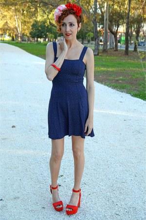 navy Bershka dress - DIY hair accessory