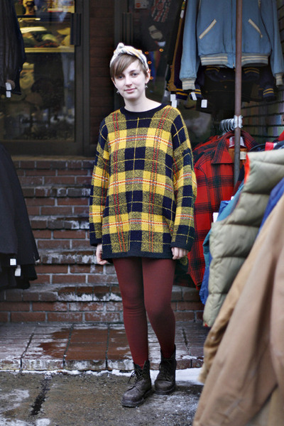 black boots - yellow sweater - brick red leggings