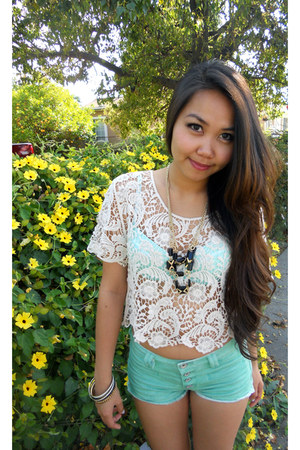 cream lace top Express top - mint short PacSun shorts