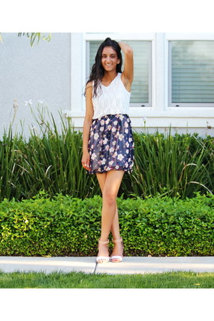 navy Unconfined Style dress - nude Zara heels