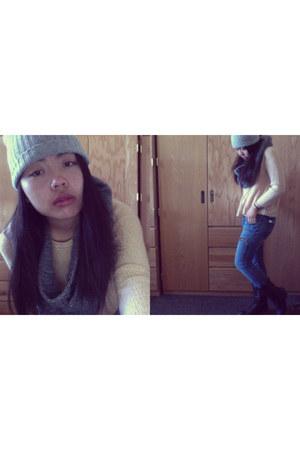 light pink knit Forever 21 sweater - blue denim Forever 21 jeans