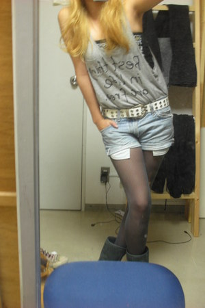 Vans boots - Levis shorts - Forever 21 top