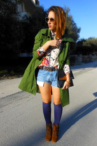 Zara shirt - Stradivarius boots - Levis shorts - my design bracelet